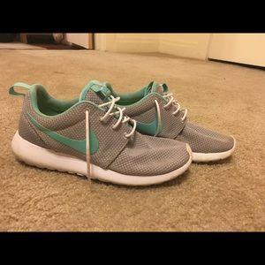 Custom Nike Roshe's